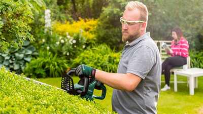 Taille-haies Universal HedgeCut 50 Bosch
