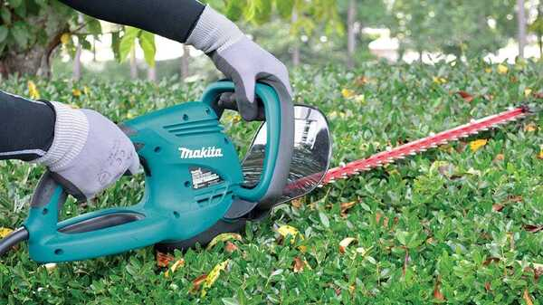 Le taille haies filaire 550 W UH5570 MAKITA