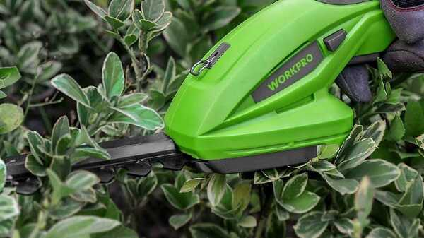 Cisaille sculpte-haies et taille-herbes 7,2 V WORKPRO