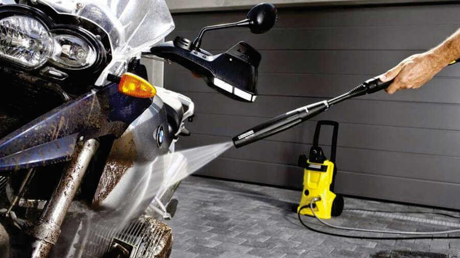 Comment nettoyer sa moto ou son scooter au nettoyeur haute pression ?